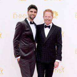 Jesse Tyler Ferguson y Justin Mikita en los Emmys 2014