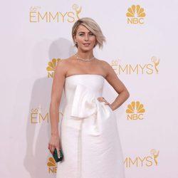 Julianne Hough en la alfombra roja de los Premios Emmy 2014