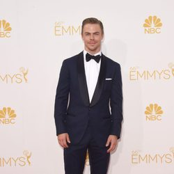 Derek Hough en la alfombra roja de los Premios Emmy 2014