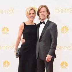 Felicity Huffman y William H. Macy en la alfombra roja de los Premios Emmy 2014