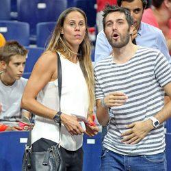 Amaya Valdemoro y Dani Martínez en el partido de baloncesto entre España y Argentina