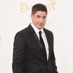 Jason Biggs en la alfombra roja de los Premios Emmy 2014
