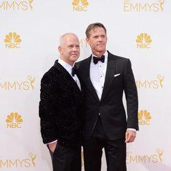 Ryan Murphy y David Miller en la alfombra roja de los Premios Emmy 2014