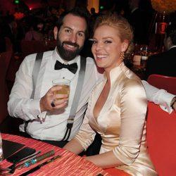 Katharine Heighl y Josh Kelley en la gala de los Premios Emmy 2014
