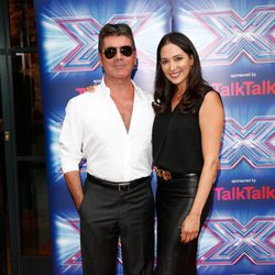 Simon Cowell y Lauren Silverman en la presentación de la 11 edición de 'The X Factor'