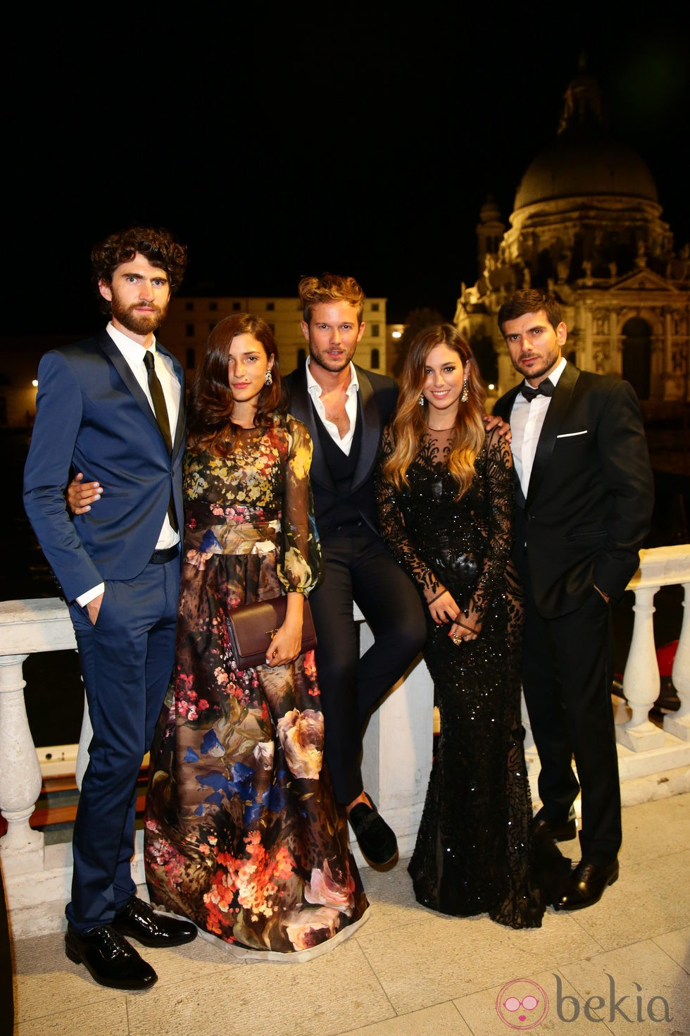 Benja Bruijning, Eleonora Carisi, Paolo Stella, Blanca Suarez y Manos Gavras en una fiesta durante el Festival de Cine de Venecia 2014