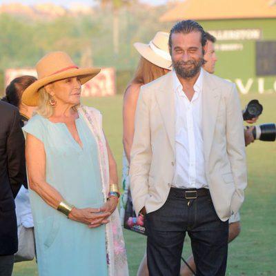 Beatriz de Orleans y Jordi Molla durante la final de copa de oro de polo Bulgari en Sotogrande
