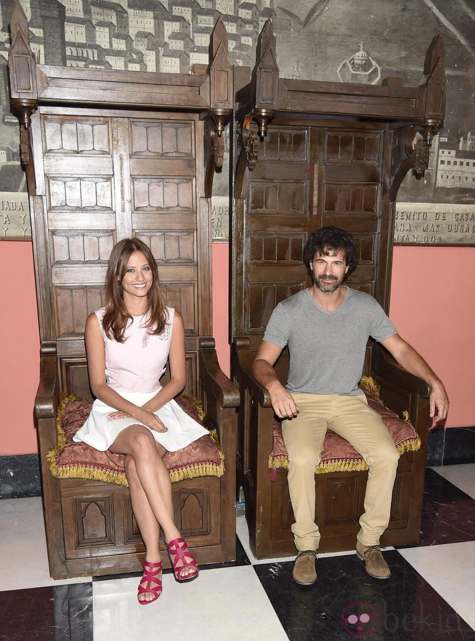 Michelle Jenner y Rodolfo Sancho en la presentación de 'Isabel' en el FesTVal de Vitoria 2014