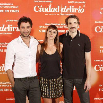 Miguel Ramiro Ingrid Rubio y Julián Villagrán en el estreno de 'Ciudad Delirio'