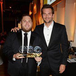 Jonah Hill y Bradley Cooper en los Premios GQ Hombres del Año 2014