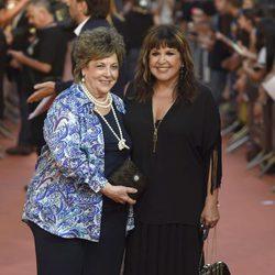 Loles León y Paloma Gómez Borrero en la clausura del FesTVal de Vitoria 2014