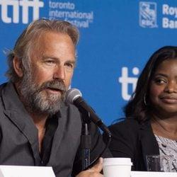 Kevin Costner y Octavia Spencer en la presentación de 'Black and White' en el Festival de Toronto 2014
