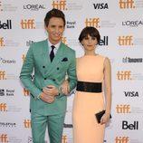 Eddie Redmayne y Felicity Jones en el estreno de 'The Theory of Everything' en el Festival de Toronto 2014