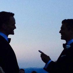 Neil Patrick y David Burtka en el día de su boda