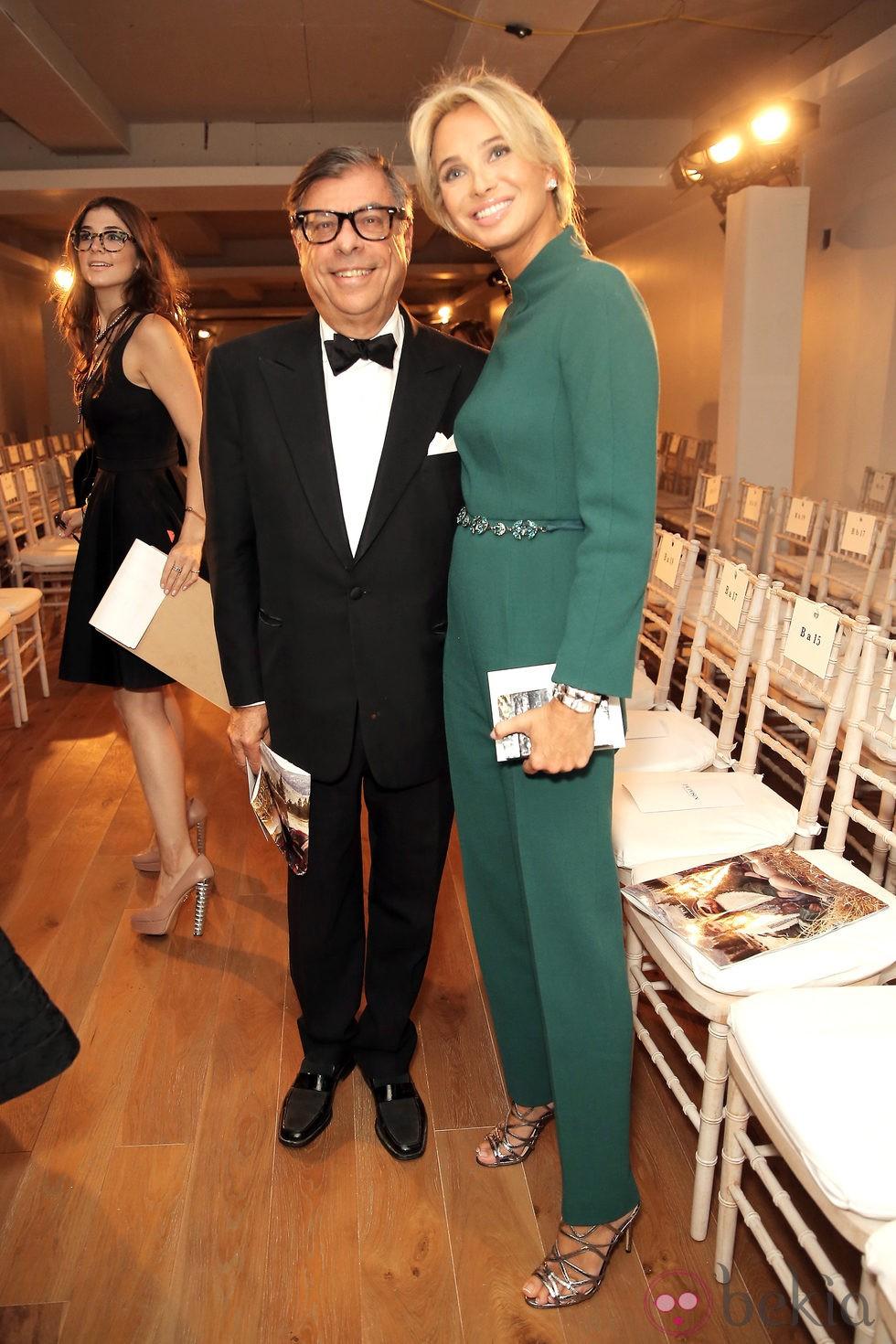 Corinna zu Sayn-Wittgenstein junto al periodista Bob Colacello en en la Semana de la Moda de Nueva York Primavera/Verano 2015
