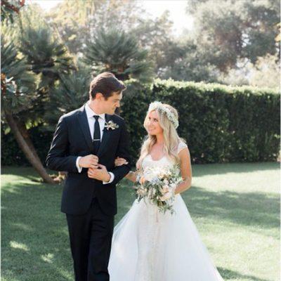 Ashley Tisdale y Christopher French el día de su boda
