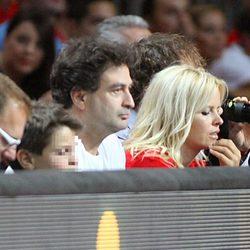 Pepe Rodríguez y Lluvia Rojo en el partido del Mundial de Baloncesto 2014 Francia-España