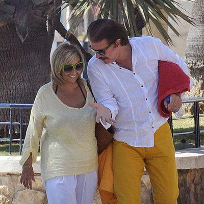 María Teresa Campos y Bigote Arrocet pasean su amor por Málaga