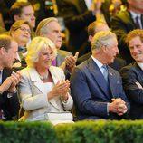 El Príncipe Guillermo, la Duquesa de Cornualles, el Príncipe Carlos y el Príncipe Harry en la inauguración de los Invictus Games