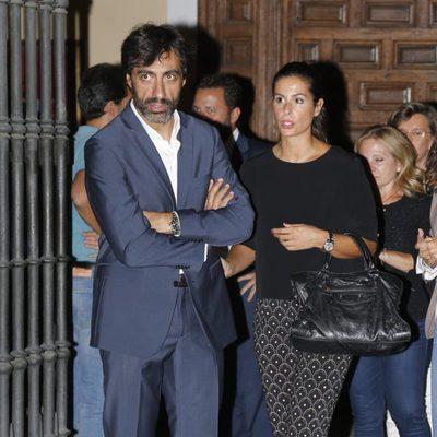 Nuria Roca y Juan del Val en la misa funeral de Carmen Hortal