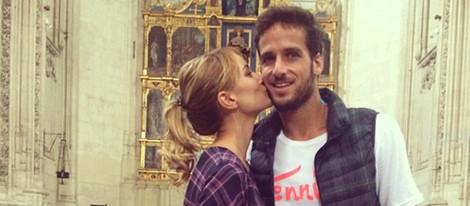 Alba Carrillo besa a Feliciano López en la Iglesia de Toledo en la que se casarán en 2015