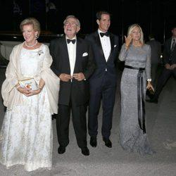 Los Reyes de Grecia con Pablo y Marie Chantal de Grecia en sus Bodas de Oro