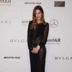 Gala Gonzalez en la cena benéfica de amfAR durante La Semana de la Moda de Milán 2014
