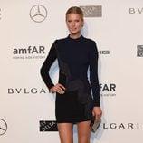 Toni Garrn en la Gala amfAR de Milán 2014