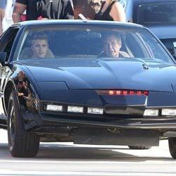 Justin Bieber y  David Hasselhoff en el coche fantástico