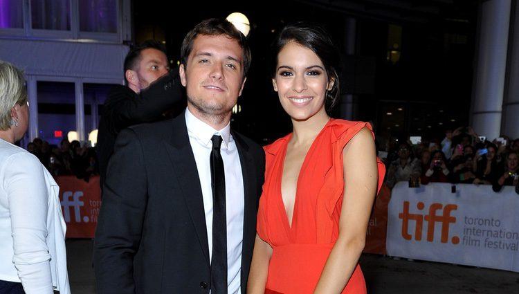 Claudia Traisac y Josh Hutcherson en el Festival de Cine de Toronto 2014