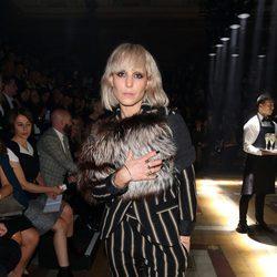 Noomi Rapace en el front row de Lanvin en la Paris Fashion Week primavera/verano 2015