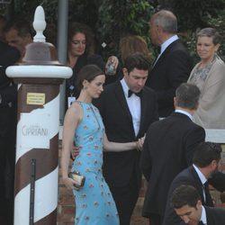 Emily Blunt y John Krasinski en la boda de George Clooney y Amal Alamuddin