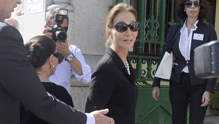 Isabel Preysler en el funeral de Miguel Boyer