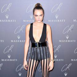 Cara Delevingne en una fiesta organizada en el marco de la Paris Fashion Week