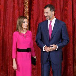 Los Reyes Felipe y Letizia en el almuerzo al presidente de Honduras y su esposa