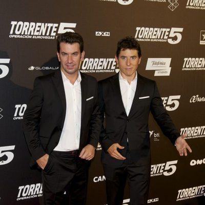 Manel Fuentes y Arturo Valls en el estreno de 'Torrente 5: Operación Eurovegas'