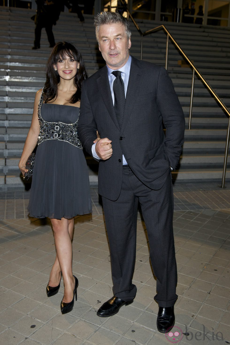 Alec Baldwin y su mujer Hilaria Thomas en el estreno de 'Torrente 5: Operación Eurovegas'