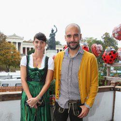 Pep Guardiola y Cristina Serrano en la Oktoberfest 2014