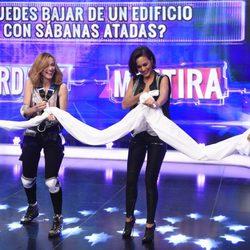 Megan Montaner y Hugo Silva con Marta Hazas en 'El Hormiguero'