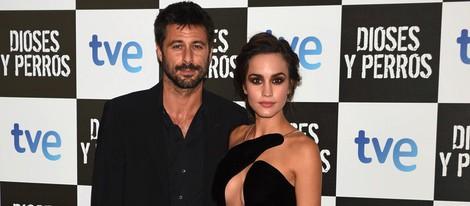 Hugo Silva y Megan Montaner en el estreno de 'Dioses y Perros'