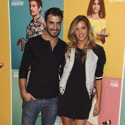 Israel Rodríguez y Corina Randazzo en el estreno de 'Al final de la carretera'