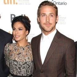 Los actores Eva Mendes y Ryan Gosling en la premiere de 'Cruce de Caminos'