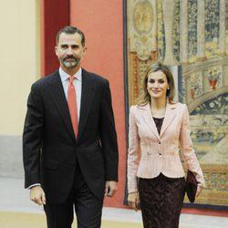 Los Reyes Felipe y Letizia en su primera reunión del Patronato del Instituto Cervantes como Reyes