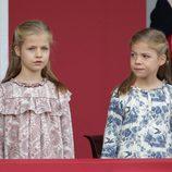La Princesa Leonor y la Infanta Sofía en su primer Día de la Hispanidad 2014