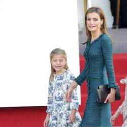 La Reina Letizia y la Infanta Sofía en el Día de la Hispanidad 2014