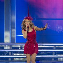 Kylie Minogue en la primera parte de su concierto de la gira 'Kiss Me Once Tour'
