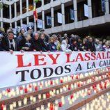 Moncho Borrajo, Pilar Bardem, Roberto Álvarez y Toni Antonio en la manifestación contra la Ley Lasalle