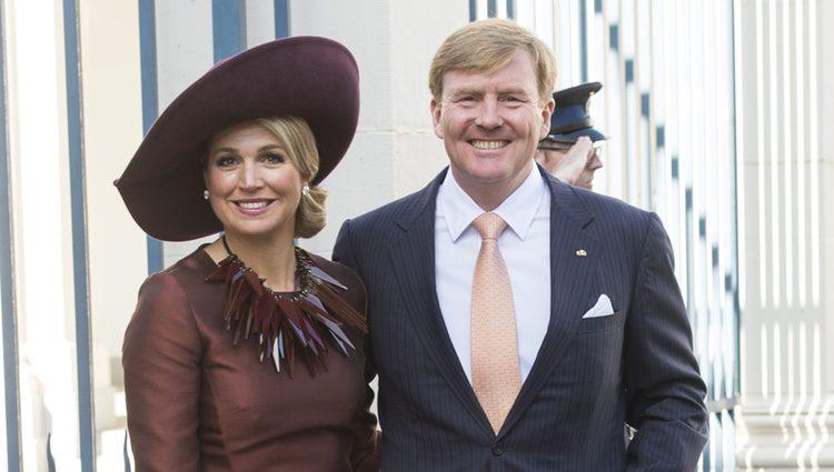 Guillermo Alejandro y Máxima de Holanda antes de recibir a los Reyes Felipe y Letizia