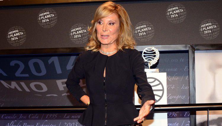 Pilar Eyre en la entrega del Premio Planeta 2014