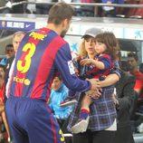Gerard Piqué, Shakira y MIlan en el partido Barça-Eibar